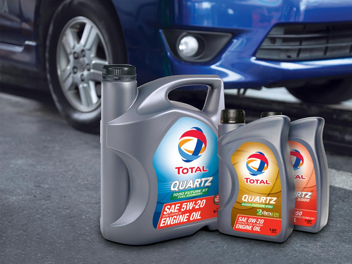 TOTAL Quartz Engine Oil Packshots